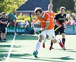 BLOEMENDAAL   - Hockey -  2e wedstrijd halve finale Play Offs heren. Bloemendaal-Amsterdam (2-2) . A'dam wint shoot outs. Manu Stockbroekx (Bldaal).  COPYRIGHT KOEN SUYK
