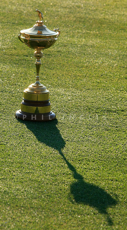 The Ryder Cup awaits the US team on official practice day prior to the 37th Ryder Cup Matches, September 16 -21, 2008 played at Valhalla Golf Club, Louisville, Kentucky, USA ( Picture by Phil Inglis ).... ........ ......