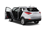 Car images of a 2015 Hyundai Tucson SE Awd 5 Door Suv 2WD Doors