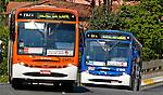 Transporte urbano em ônibus. SP. Foto de Juca Martins.