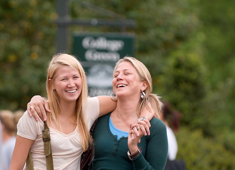18212 Mom's Weekend 2007: Out on Campus / Uptown..McKenzie Hoffman & Mary Hoffman(Mom)
