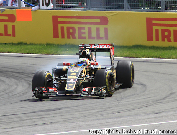 Number 8, Romain Grosjean (France) at the wheel of his Lotus formula 1 at turn 10 of the Grand Prix of Canada race on June 7th 2015
