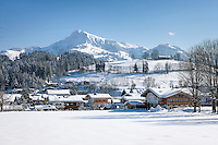 Austria, Tyrol, Reith near Kitzbuhel at Brixen Valley: on the outskirts of Kitzbuhel, at background Kitzbuhel Horn mountain | Oesterreich, Tirol, Reith bei Kitzbuehel im Brixental vorm Kitzbueheler Horn