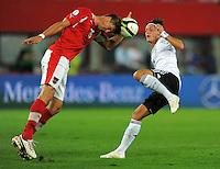 Fussball International  WM Qualifikation 2014   11.09.2012 Oesterreich - Deutschland Sebastian Proedl (li, Oesterreich) gegen Mesut Oezil (Deutschland)