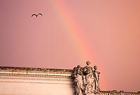 Un arcobaleno visto fuori da Palazzo Chigi, dopo un temporale a Roma, 4 dicembre 2014.<br /> A rainbow is seen from outside of Chigi Palace, Italian government office, in Rome, 4 December 2014.<br /> UPDATE IMAGES PRESS/Riccardo De Luca