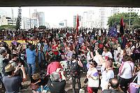 SÃO PAULO, SP - 31.08.2013: 9 MARCHA MUNDIAL DAS MULHERES - Integrantes da 9 Marcha Mundial das Mulheres ocupam o vão do MASP na Av Paulista em São Paulo neste sábado (31) e reune mulhers de todo o Brazil. (Foto: Marcelo Brammer/Brazil Photo Press)