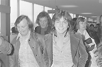 David Cassidy arrive at Schiphol airport, Holland<br /> ,	2 March 1973<br /> <br /> Photo : Hans Peters (Anefo)
