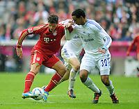 FUSSBALL   1. BUNDESLIGA  SAISON 2011/2012   23. Spieltag  26.02.2012 FC Bayern Muenchen - FC Schalke 04        Mario Gomez (li, FC Bayern Muenchen) gegen Edu (FC Schalke 04)