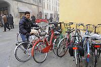 - Suzzara (Reggio Emilia), mercato in piazza<br /> <br /> - Suzzara (Reggio Emilia), market in the square