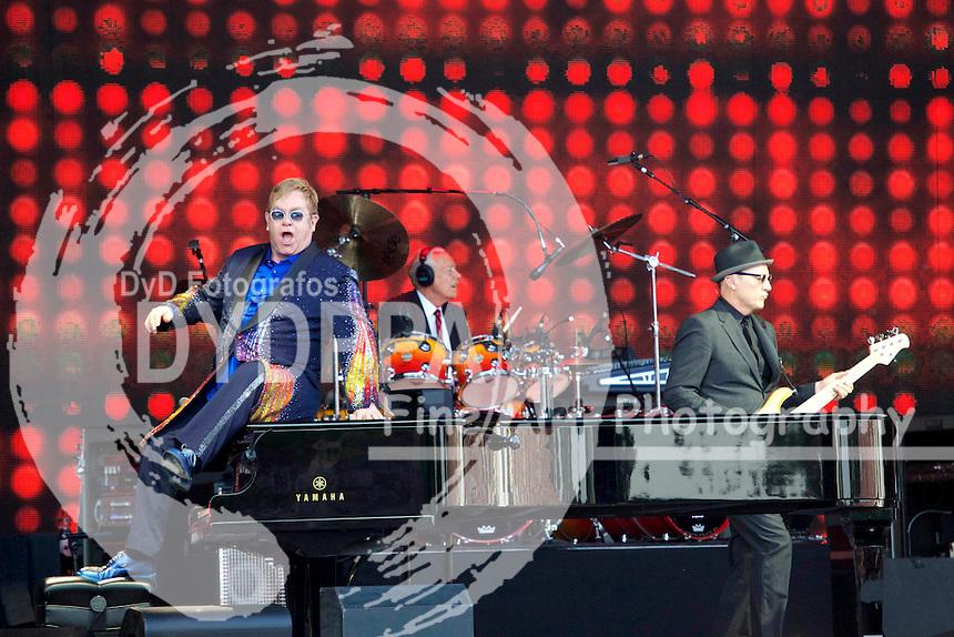 Elton John Konzert seiner 'Wonderful Crazy Night Tour 2016' beim Uelzen Open R in der Almased Arena. Uelzen, 03.06.2016