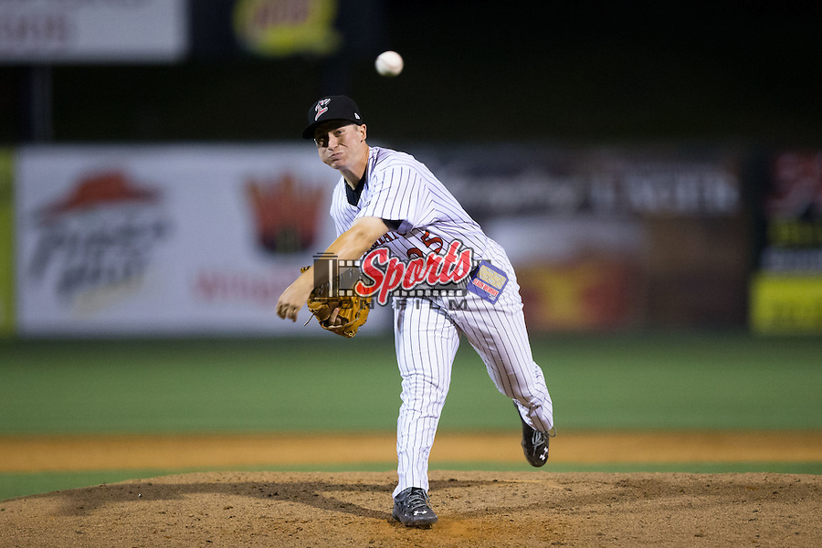 Kannapolis Intimidators relief pitcher Alex Katz (25) delivers a pitch to the plate against the Delmarva Shorebirds at Kannapolis Intimidators Stadium on April 21, 2016 in Kannapolis, North Carolina.  The Intimidators defeated the Shorebirds 9-3.  (Brian Westerholt/Four Seam Images)