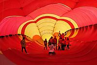 Nederland  Scheveningen. September 2018. Vliegerfestival op het strand. Binnenkant van de Trilobite, de grootste vlieger van Europa.    Foto Berlinda van Dam / Hollandse Hoogte