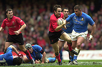 27/03/2004  -  RBS Six Nations Championship 2004 Wales v Italy.Rhys William's running with the ball.   [Mandatory Credit, Peter Spurier/ Intersport Images].