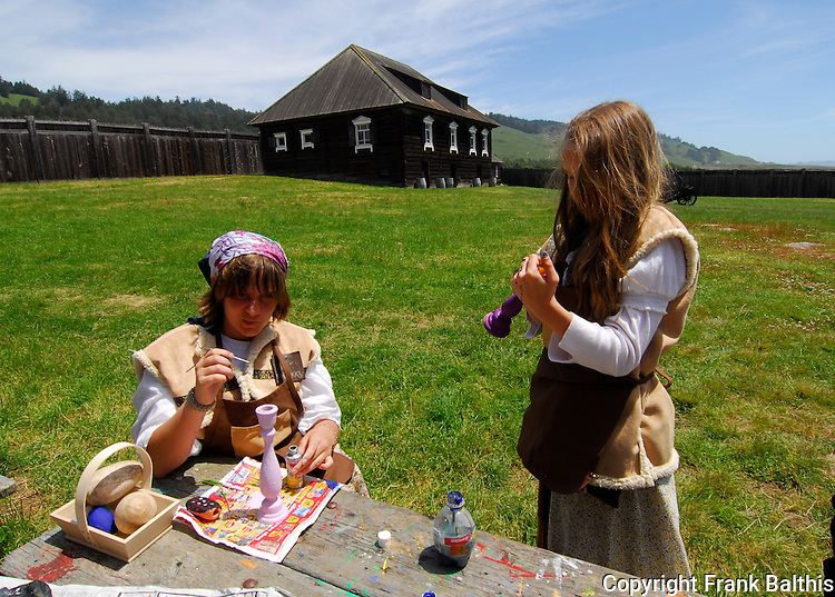 girls doing crafts at Fort Ross State Historic Park