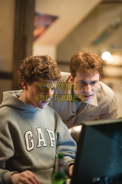 Jesse Eisenberg & Joseph Mazzello.in The Social Network.*Filmstill - Editorial Use Only*.CAP/PLF.Supplied by Capital Pictures.