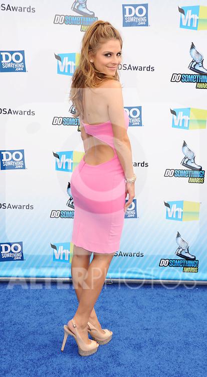 SANTA MONICA, CA - AUGUST 19: Maria Menounos arrives at the 2012 Do Something Awards at Barker Hangar on August 19, 2012 in Santa Monica, California. /NortePhoto.com....**CREDITO*OBLIGATORIO** ..*No*Venta*A*Terceros*..*No*Sale*So*third*..*** No Se Permite Hacer Archivo**