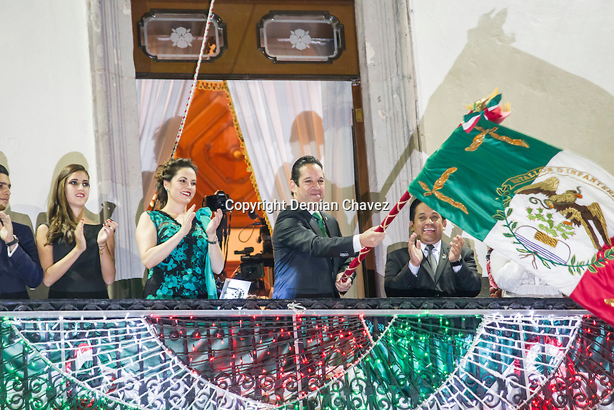 Querétaro, Qro. 15 de septiembre de 2016.- El gobernador del Estado, Francisco Domínguez dió su primer grito de independencia.