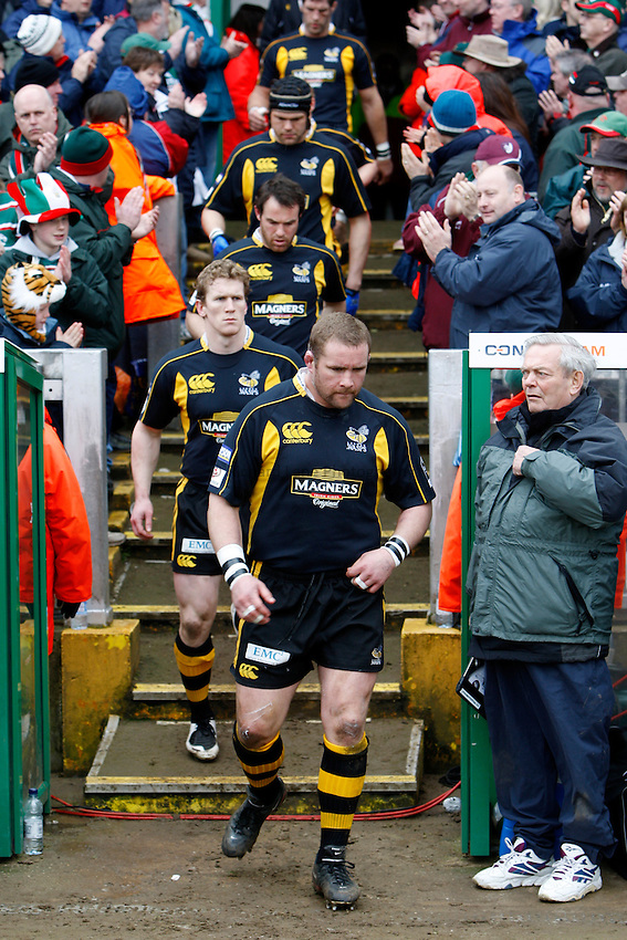 Photo: Richard Lane/Richard Lane Photography..Leicester Tigers v London Wasps. Guinness Premiership. 29/03/2008. Wasps' Phil Vickery walks out.