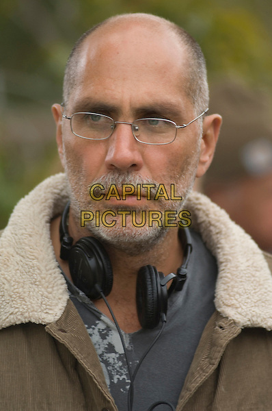 GUILLERMO ARRIAGA (DIRECTOR).on the set of The Burning Plain.*Filmstill - Editorial Use Only*.CAP/FB.Supplied by Capital Pictures.