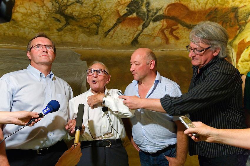 Sur le site de Lascaux IV, à l'intérieur du Facsimilé avec Germinal Peiro et Simon Coencas