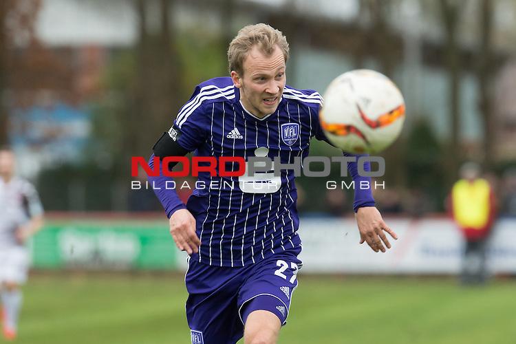 14.11.2015, Jahn Stadion, Dinklage, GER, FSP, VFL Osnabrueck vs 1. FC ST. Pauli, im Bild<br /> <br /> Kim Falkenberg (Osnabr&uuml;ck #27)<br /> Einzelaktion, Halbk&ouml;rper / Halbkoerper<br /> <br /> Foto &copy; nordphoto / Kokenge