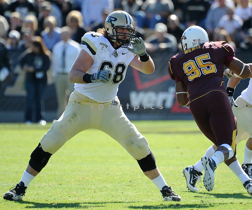 DENNIS KELLY, of the Purdue Boilermakers, in action during the Boilermakers game against the Minnesota GoldeN Gophers at Ross-Ade Stadium on October 16, 2010  in West Lafayette, IN...Purdue beat Minnesota 28-17..