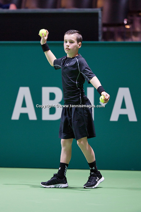 Rotterdam, The Netherlands, Februari 8, 2016,  ABNAMROWTT, Ballboy<br /> Photo: Tennisimages/Henk Koster