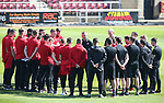Sheffield United's Chris Wilder talks to his team during the League One match at the Sixfields Stadium, Northampton. Picture date: April 8th, 2017. Pic David Klein/Sportimage