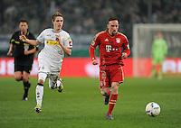 FUSSBALL   DFB POKAL   SAISON 2011/2012   HALBFINALE   21.03.2012 Borussia Moenchengladbach - FC Bayern Muenchen  Franck Ribery (re, FC Bayern Muenchen) gegen Patrick Herrmann (Borussia Moenchengladbach)