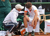 10-07-11, Tennis, South-Afrika, Potchefstroom, Daviscup South-Afrika vs Netherlands,  Robin Haase wordt getroost door Captain Jan Siemerink