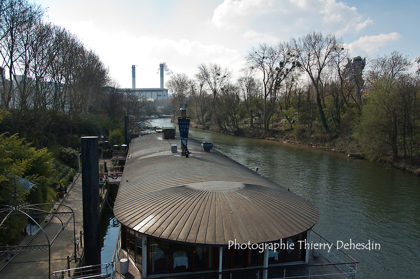 Issy les Moulineaux, 2004, Val de Seine, Le bras mort de la Seine depuis le Pont d'Issy