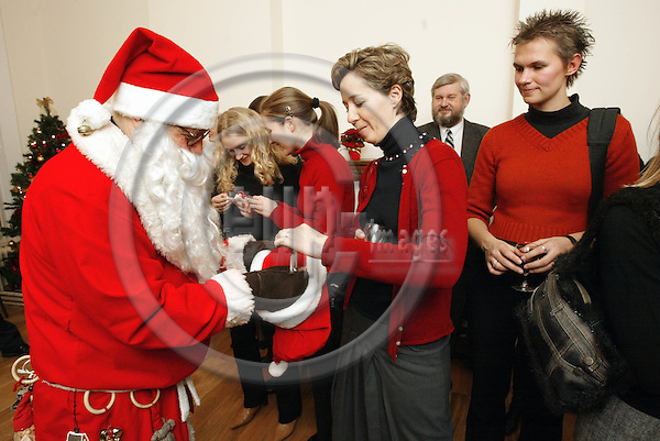 BELGIUM, Brussels / 10 December 2002--Christmas reception of the Rovaniemi Lapland Brussels Office and of the Turku Brussels Office..The Santaclaus brought some presents for the guests..PHOTO: JUHA ROININEN