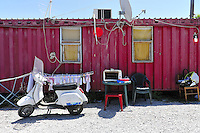 Palermo: the municipality has set up a containers field for families who have been evicted.<br />