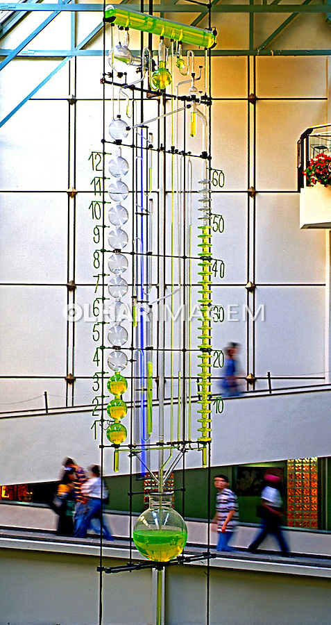 Relógio de água no Shopping Iguatemi. SP. Foto de Manuel Lourenço.