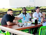 PREMIUM! Mark Wahlberg, P. Diddy & DJ Khaled
