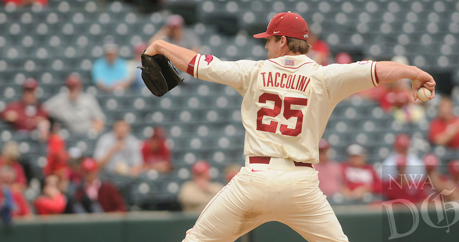 NWA Democrat-Gazette/J.T. WAMPLER -- Arkansas' Dominic Taccolini pitches Sunday May 10, 2015 during the Hogs' 5-2 win over Tennessee.