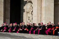 Vaticano, Aprile 2013. Vescovi in Piazza San Pietro assistono all'udienza generale di Papa Francesco.