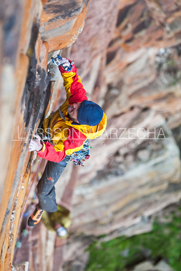 Dave Macleod on the Mucklehouse Wall, E5 6a