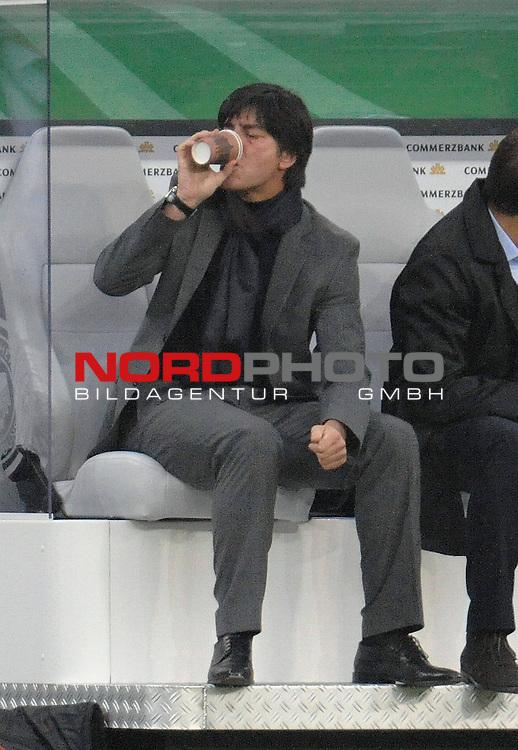 Fussball, L&auml;nderspiel, WM 2010 Qualifikation Gruppe 4  14. Spieltag<br />  Deutschland (GER) vs. Finnland ( FIN )<br /> <br /> Joachim Loew (L&ouml;w) - ( Germany / Trainer / Coach / )<br /> <br /> Foto &copy; nph (  nordphoto  )<br />  *** Local Caption *** <br /> <br /> Fotos sind ohne vorherigen schriftliche Zustimmung ausschliesslich f&uuml;r redaktionelle Publikationszwecke zu verwenden.<br /> Auf Anfrage in hoeherer Qualitaet/Aufloesung