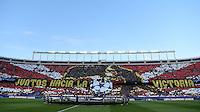 FUSSBALL CHAMPIONS LEAGUE  SAISON 2015/2016 VIERTELFINAL RUECKSPIEL Atletico Madrid - FC Barcelona       13.04.2016 Fan Choreographie vor dem Spiel im Vicente Calderon Stadion