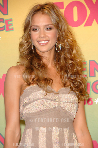 Actress JESSICA ALBA at the 2006 Teen Choice Awards at Universal City, Hollywood.20AUG2006  Los Angeles, CA.© 2006 Paul Smith / Featureflash