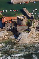 France, Pyrénées-Atlantiques (64), Pays-Basque, Ciboure, le fort de Socoa, construit sous Louis XIII et remanié par Vauban  vue aérienne // France, Pyrenees Atlantiques, Basque Country, Ciboure, Socoa Fort, built under the regn of King Louis XIII and modified by Vauban - Aeria view
