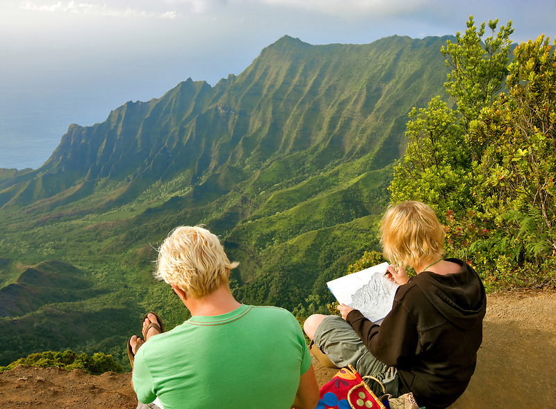 Kalalau Valley with artists drawing scene. Koke'e State Park. Waimea Canyon. Kauai, Hawaii