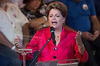 SAO PAULO, SP, 10.02.2014 - ANIVERSARIO PT / 34 ANOS - A presidente Dilma Rousseff durante cerimonia de comemoração dos 34 anos do Partido dos Trabalhadores no Grande Auditorio do Centro de Convencoes do Anhembi na regiao norte de Sao Paulo, nesta segunda-feira, 10. (Foto: Vanessa Carvalho / Brazil Photo Press).
