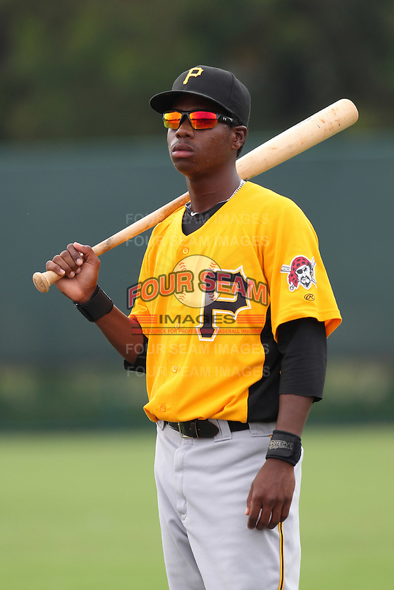 GCL Pirates outfielder Junior Sosa #6 warms up before a game against the GCL Braves at Disney Wide World of Sports on June 25, 2011 in Kissimmee, Florida.  The Pirates defeated the Braves 5-4 in ten innings.  (Mike Janes/Four Seam Images)