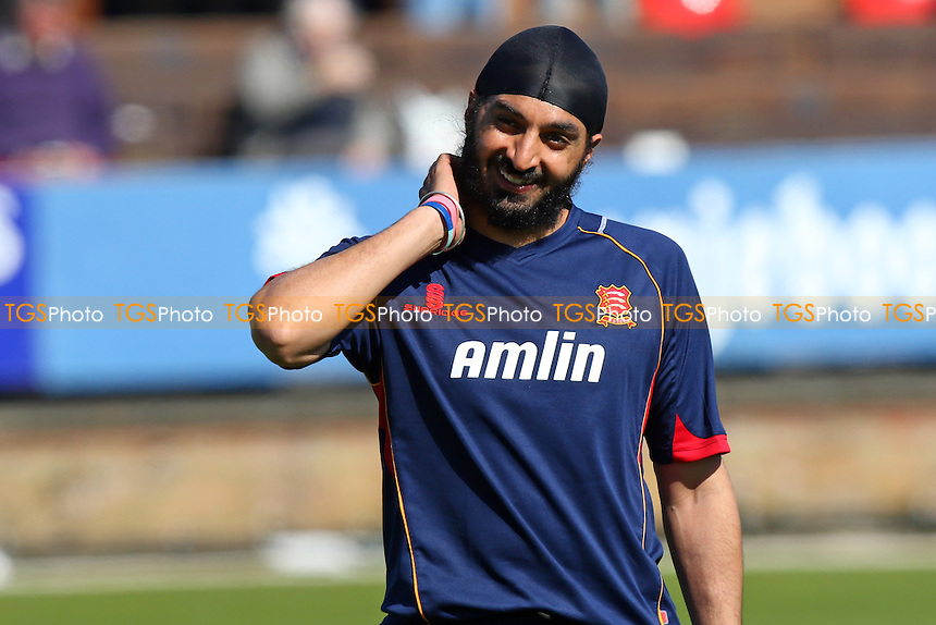 Monty Panesar of Essex CCC - Essex CCC vs Kent CCC - LV County Championship Division Two Cricket at the Essex County Ground, Chelmsford, Essex - 21/04/15 - MANDATORY CREDIT: TGSPHOTO - Self billing applies where appropriate - contact@tgsphoto.co.uk - NO UNPAID USE