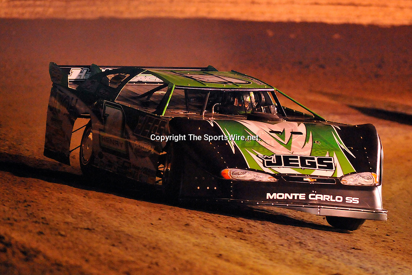 Feb 09, 2009; 7:28:23 PM; Barberville, FL, USA; UMP DIRTcar Racing Series for the 38th Annual ALLTEL DIRTcar Nationals by UNOH at Volusia Speedway Park.  Mandatory Credit: (thesportswire.net)