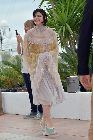 Soko at the Photocall &laquo;La Danseuse` - 69th Cannes Film Festival on May 13, 2016 in Cannes, France.<br /> CAP/LAF<br /> &copy;Lafitte/Capital Pictures<br /> Soko at the Photocall &acute;La Danseuse` - 69th Cannes Film Festival on May 13, 2016 in Cannes, France.<br /> CAP/LAF<br /> &copy;Lafitte/Capital Pictures /MediaPunch ***NORTH AND SOUTH AMERICA ONLY***
