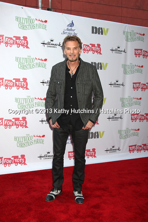 LOS ANGELES - DEC 1:  Kenny Loggins at the 2013 Hollywood Christmas Parade at Hollywood & Highland on December 1, 2013 in Los Angeles, CA