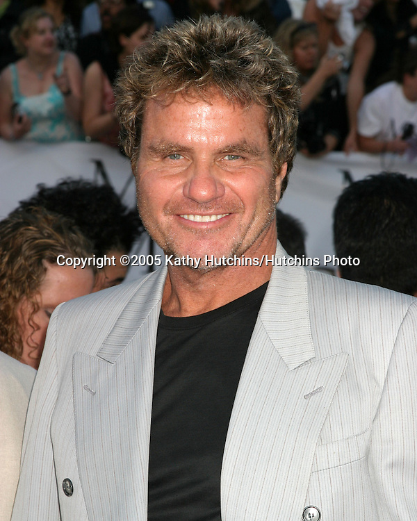 Martin Kove.Mr & Mrs. Smith Premiere.Mann's Village Theater.Westwood, CA.June 7, 2005.©2005 Kathy Hutchins / Hutchins Photo